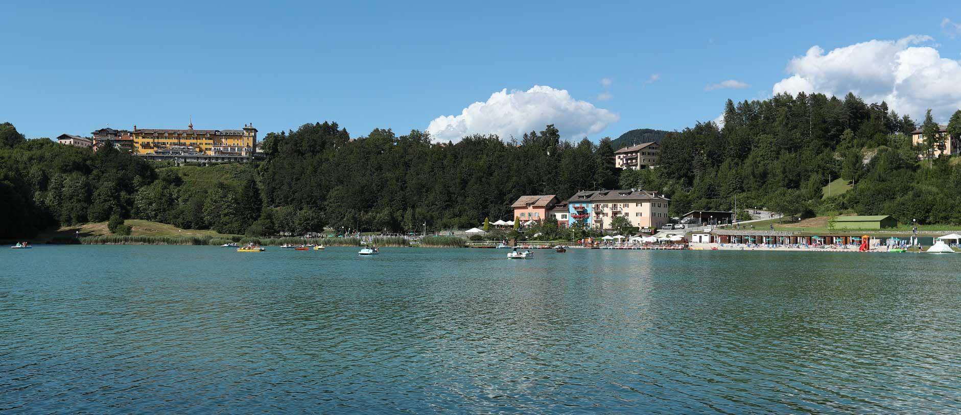 A dip in the water on a hot summer's day, the lake has been awarded the Blue Flag and is a stone's throw from the hotel. Relaxation and wellness  in the Hotel Bertoldi near the lake of Lavarone